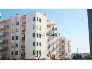 Ver Apartamento T2, Parque Desporto (Lourinhã), Lourinhã e Atalaia, Lisboa, Lourinhã e Atalaia na Lourinhã