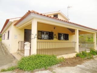 Ver Casa 2 habitaciones + 1 hab. auxiliar Con garaje, Beco, Ferreira do Zêzere, Santarém, Beco en Ferreira do Zêzere