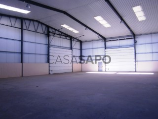 Voir Entrepôt  avec garage à Almeirim