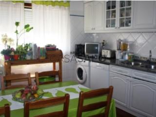 Voir Appartement 4 Pièces avec garage, Abrantes (São Vicente e São João) e Alferrarede à Abrantes