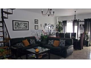 Ver Apartamento T2+2 com garagem, A dos Cunhados e Maceira em Torres Vedras