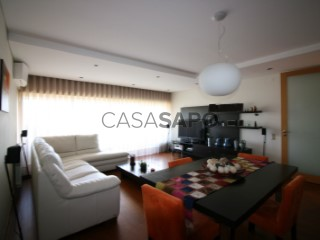 Voir Appartement 3 Pièces avec garage, Vila Nova de Famalicão e Calendário à Vila Nova de Famalicão