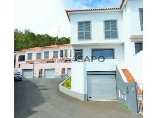 Ver Moradia T3 Triplex Com garagem, Terça de Cima, Santa Cruz, Madeira em Santa Cruz