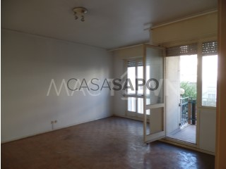 See Apartment 3 Bedrooms, Centro (Santo António de Cavaleiros), Santo António dos Cavaleiros e Frielas, Loures, Lisboa, Santo António dos Cavaleiros e Frielas in Loures