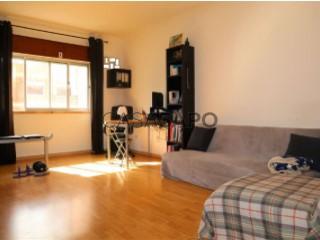 Voir Appartement 3 Pièces Avec garage, Arredores (Cacém), Cacém e São Marcos, Sintra, Lisboa, Cacém e São Marcos à Sintra