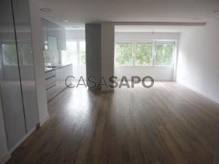 See Apartment 3 Bedrooms, Carcavelos, Carcavelos e Parede, Cascais, Lisboa, Carcavelos e Parede in Cascais