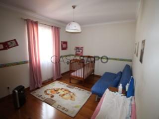 Voir Maison Mitoyenne 5 Pièces Avec garage, Santa Cruz, Madeira à Santa Cruz