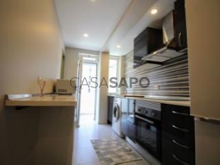 Voir Appartement 4 Pièces, Funchal (Sé), Madeira, Funchal (Sé) à Funchal