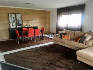 See Duplex 4 Bedrooms Duplex with garage, Arcozelo in Barcelos