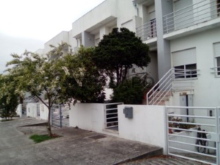 See Terraced House 4 Bedrooms with garage, Tamel (São Veríssimo) in Barcelos