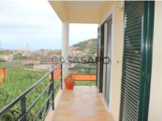 Voir Appartement 4 Pièces, Câmara de Lobos, Madeira à Câmara de Lobos