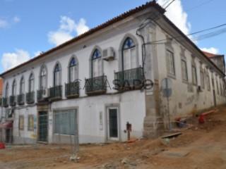 Voir Immeuble  , N.S. da Vila, N.S. do Bispo e Silveiras à Montemor-o-Novo
