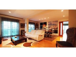 Ver Apartamento 4 habitaciónes, Duplex Con garaje, Alcochete, Setúbal en Alcochete