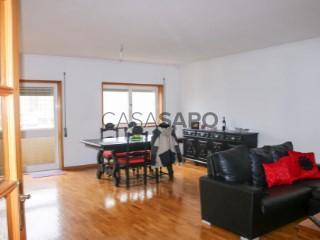 Voir Appartement 5 Pièces, Cidade da Maia, Porto, Cidade da Maia à Maia