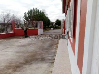 Voir Maison 5 Pièces Avec garage, Comenda (Casével), Casével e Vaqueiros, Santarém, Casével e Vaqueiros à Santarém