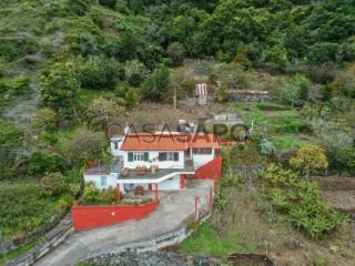 See Mountain Cabin 6 Bedrooms Duplex, Porto da Cruz, Machico, Madeira, Porto da Cruz in Machico