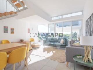 Voir Maison 3 Pièces Duplex, Lagoa e Carvoeiro, Lagoa (Algarve), Faro, Lagoa e Carvoeiro à Lagoa (Algarve)