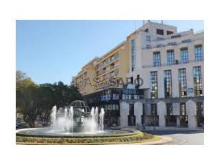 Voir Appartement Avec garage, Av. Infante, Funchal (Sé), Madeira, Funchal (Sé) à Funchal