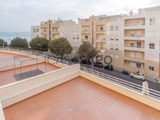 Ver Duplex T3 Com garagem, Alto de Santa Catarina (Algés), Algés, Linda-a-Velha e Cruz Quebrada-Dafundo, Oeiras, Lisboa, Algés, Linda-a-Velha e Cruz Quebrada-Dafundo em Oeiras