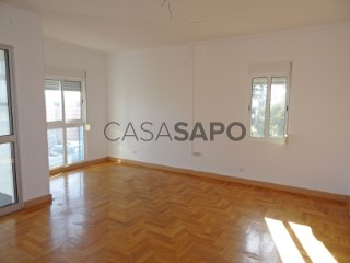 See Apartment 2 Bedrooms, Centro (Santo António de Cavaleiros), Santo António dos Cavaleiros e Frielas, Loures, Lisboa, Santo António dos Cavaleiros e Frielas in Loures