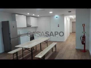See Apartment 10 Bedrooms, Arroios in Lisboa