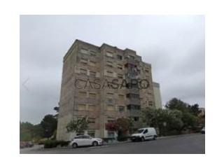 See Apartment 2 Bedrooms, Santo António da Charneca in Barreiro