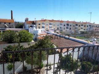 Ver Apartamento T2 com garagem, Nossa Senhora da Conceição e São Bartolomeu em Vila Viçosa