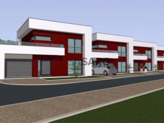 See Semi-Detached House 3 Bedrooms Triplex With garage, A dos Cunhados, A dos Cunhados e Maceira, Torres Vedras, Lisboa, A dos Cunhados e Maceira in Torres Vedras