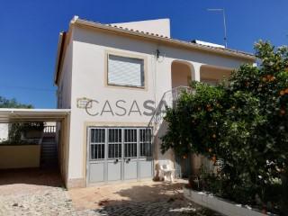 Ver Moradia T5 Duplex com garagem, Albufeira e Olhos de Água em Albufeira
