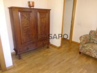 Ver Piso 4 habitaciones con garaje en León