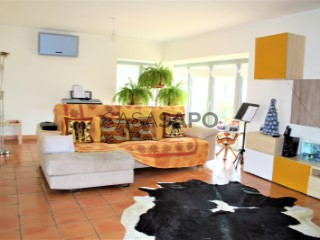 Voir Maison 5 Pièces Triplex Avec garage, Canelas e Fermelã, Estarreja, Aveiro, Canelas e Fermelã à Estarreja