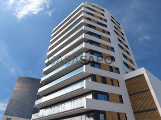 See Apartment 1 Bedroom with swimming pool, Campolide in Lisboa