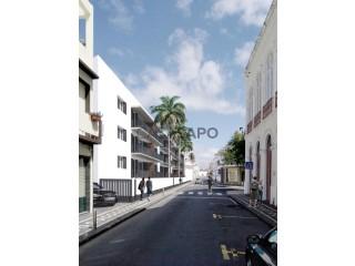 Ver Apartamento T4 Com garagem, Ponta Delgada (São José), São Miguel, Ponta Delgada (São José) em Ponta Delgada