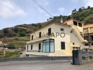 Ver Andar de Prédio T3 com garagem, Campanário na Ribeira Brava