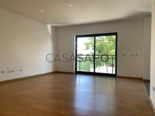 See Apartment 2 Bedrooms With garage, Quinta da Amizade, Gâmbia-Pontes-Alto Guerra, Setúbal, Gâmbia-Pontes-Alto Guerra in Setúbal