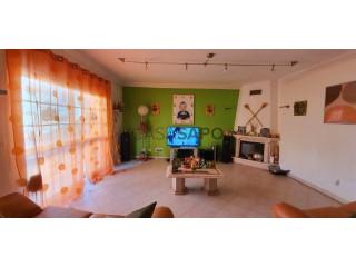 Voir Maison 4 Pièces avec garage à Moita