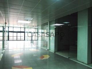 Voir Boutique  avec garage, Carnaxide e Queijas à Oeiras