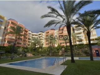 Ver Apartamento 3 habitaciones + 1 hab. auxiliar con garaje, Atalaya-Isdabe en Estepona