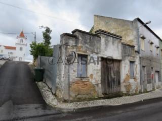 Ver Casa Antiga T0 Com garagem, Centro Histórico, Rio Maior, Santarém em Rio Maior
