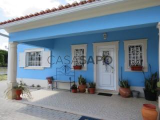Ver Moradia T4 Com garagem, Centro, Rio Maior, Santarém em Rio Maior