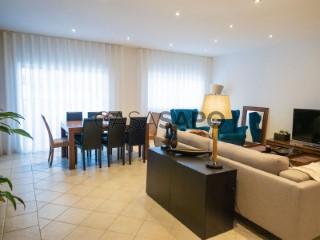 Ver Casa 4 habitaciones, Triplex Con garaje, Quinta do Eucalipto, Montenegro, Faro, Montenegro en Faro