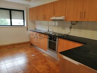 Ver Apartamento T1+1, Centro (Albergaria-a-Velha), Albergaria-a-Velha e Valmaior, Aveiro, Albergaria-a-Velha e Valmaior em Albergaria-a-Velha