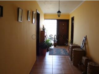 Ver Moradia T4 Duplex Com garagem, Centro, Esgueira, Aveiro, Esgueira em Aveiro