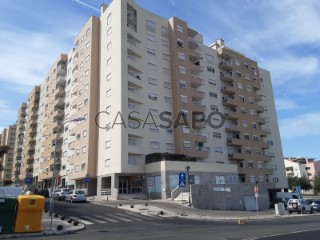Ver Apartamento T2 Com garagem, Carnaxide, Carnaxide e Queijas, Oeiras, Lisboa, Carnaxide e Queijas em Oeiras