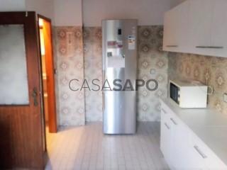 Ver Apartamento T4 com garagem, Santo António dos Olivais em Coimbra