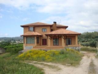 See House 5 Bedrooms Triplex with garage in Miranda do Corvo