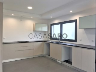 See House 4 Bedrooms With garage, Santo António dos Olivais, Coimbra, Santo António dos Olivais in Coimbra