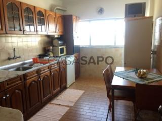 Ver Apartamento T3 com garagem, São Martinho do Bispo e Ribeira de Frades em Coimbra