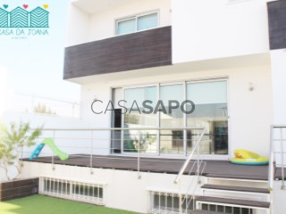 See House 4 Bedrooms Duplex with garage, Aradas in Aveiro