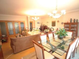 Ver Apartamento 3 habitaciones + 1 hab. auxiliar con garaje, Cidade da Maia en Maia